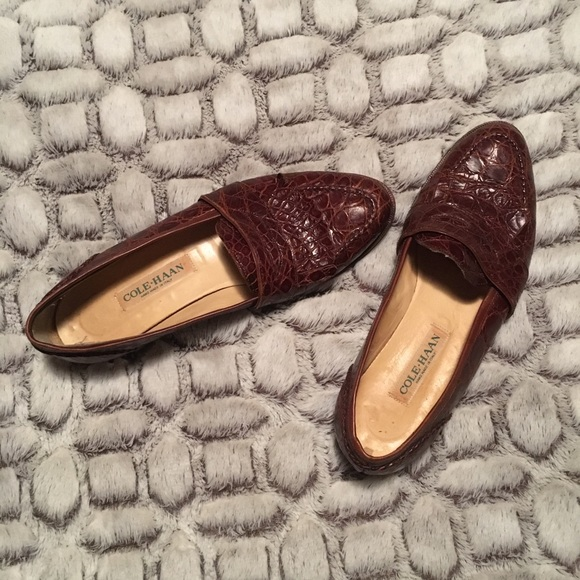 3a3d22b6c01 Cole Haan Cherry Finish Vintage Loafers